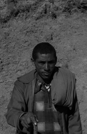21 uomo in un villaggio nelle Simien Mountain