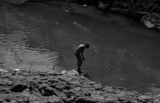 6 bagno nel fiume