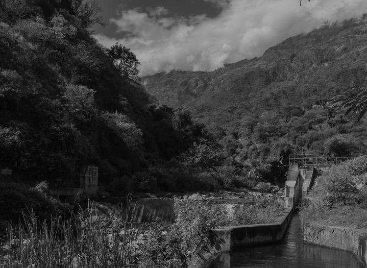 26 sistema di piccole dighe e canali verso Sigor