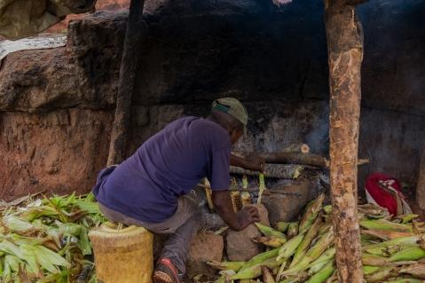 61 venditore di pannocchie verso Nairobi